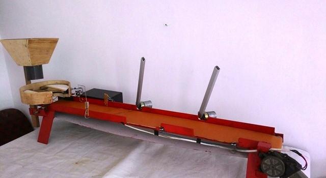 KETAPEL (Konveyor Penyortir Apel) Berbasis Sensor Warna